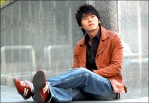 Hyun Bin Photo #6 (2005) / asiandb price: US$9.98